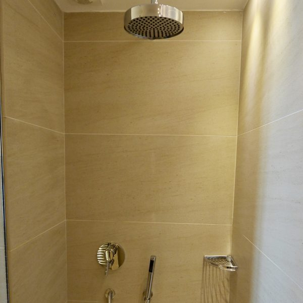 Construction d'une douche par Sanifaust